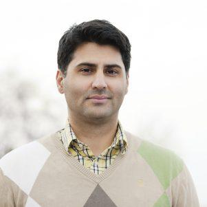 Portrait of author Hassan Loo Sattarvandi